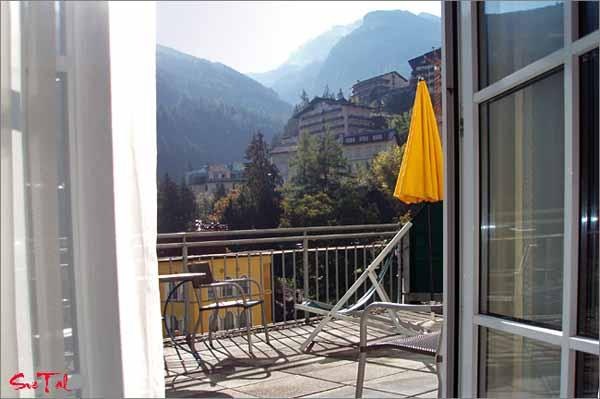 Вид на Бад Гастайн с балкона гостиницы Bellevue