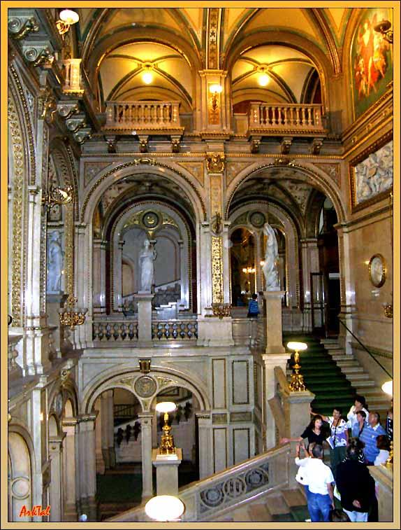 Венская Опера. Парадная лестница.