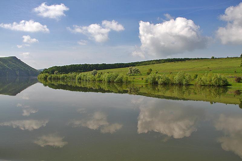 Буковинський берег Дністра