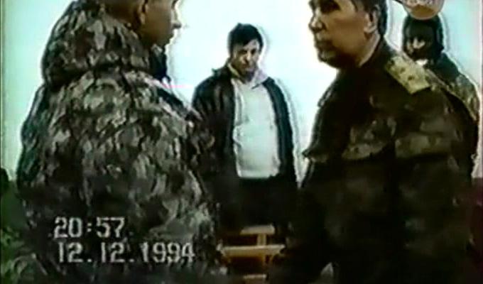 генерал-лейтенант Станислав Фёдорович Кавун при передаче пленных