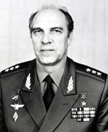 Командующий авиацией Сухопутных войск генерал-полковник авиации Виталий Егорович Павлов
