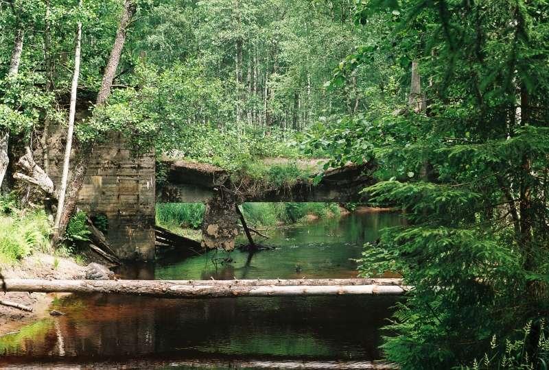 Плотина, вид в восточном направлении