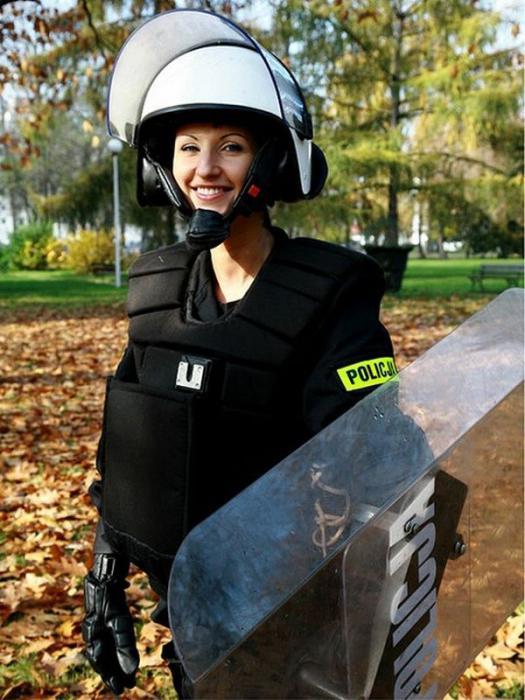 Девушки в полицейской форме секси