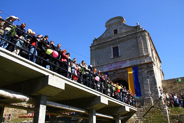 Глядачі у збаразькому замку