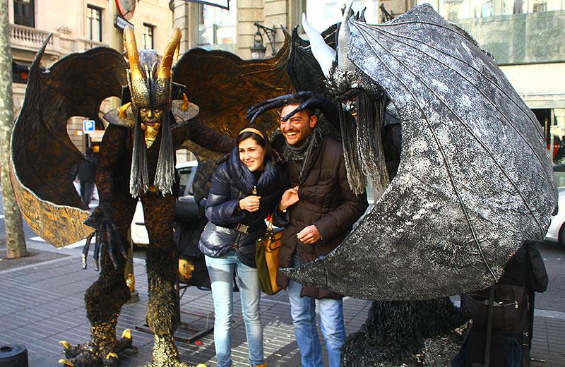Живі скульптури на Рамблі в Барселоні