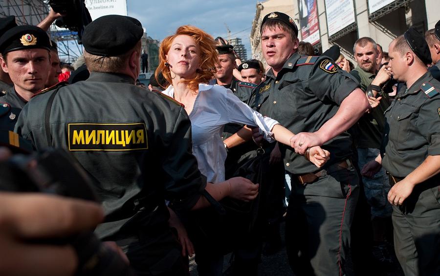 Митинг и фотовыставка 16 июня на Триумфальной площади