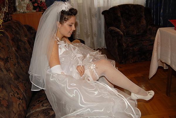 Голые невесты фото и видео считаю