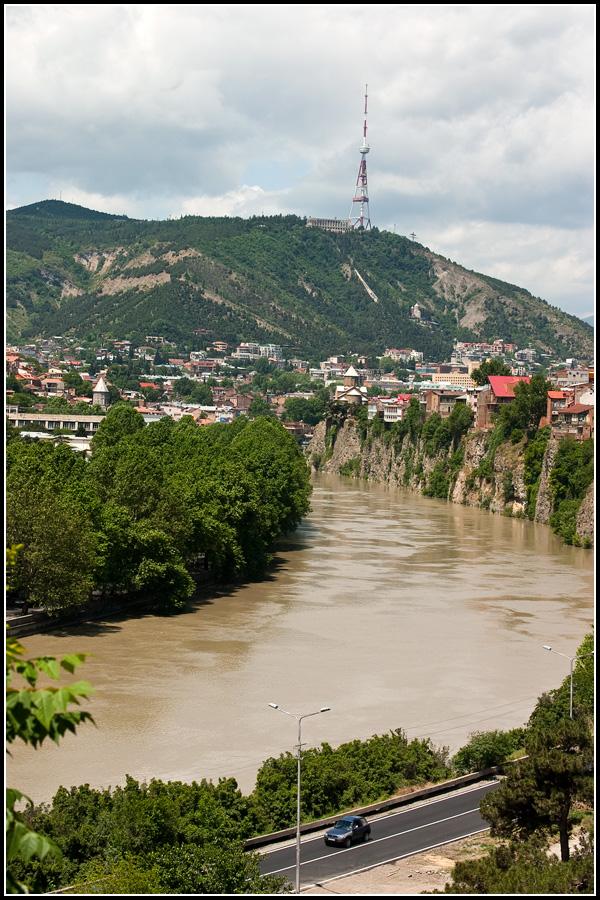 река Кура в Тбилиси