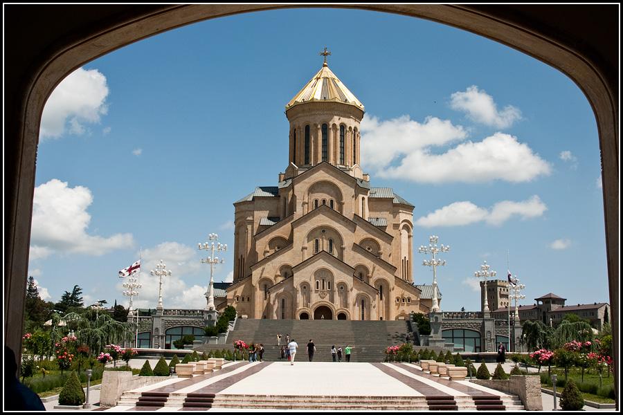 Собой Святой Троицы в Тбилиси (Цминда Самеба)