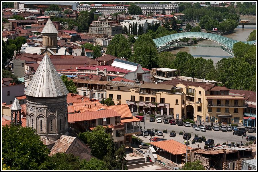 Мост мира в старом Тбилиси