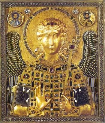 Архангел Михаил: золотая чеканка, индийские рубины. Хранится в Венеции среди других награбленных сокровищ.
