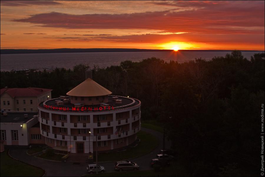 Восход солнца над Онежским озером