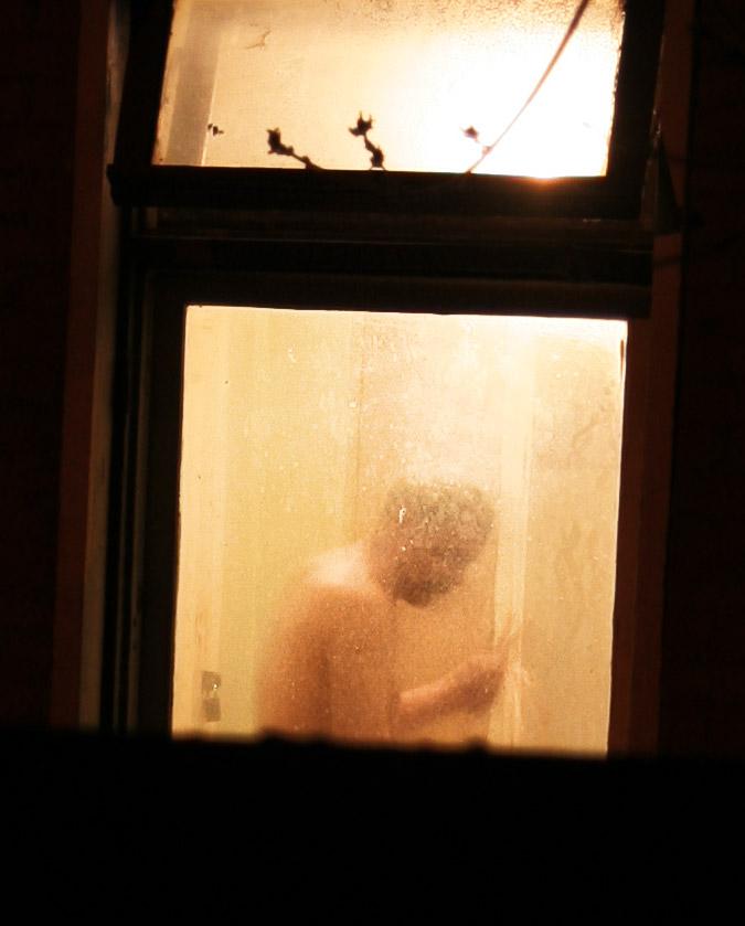Подглядывают в ночные окна, фото ебля зрелых дамочек
