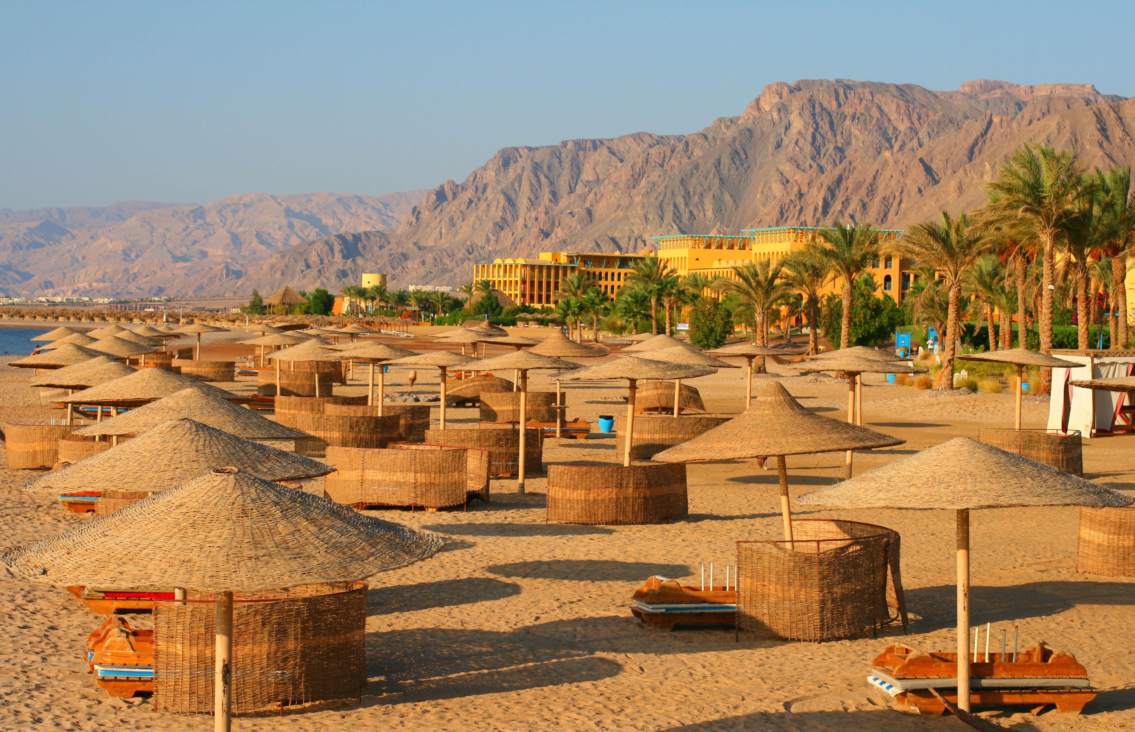 свою пустые курорты египта фото запястье премьера