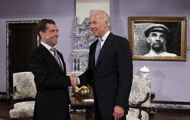 Президент РФ Д.Медведев и вице-президент США Д.Байден в «Горках»