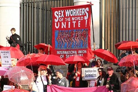 Трансгендерное движение -- за право на секс-работу и права секс-работников.