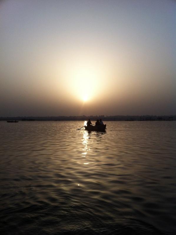 Рассвет над берегом Мертвых, Ганга, Варанаси